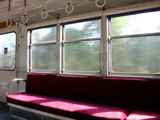 電車の中で勉強する